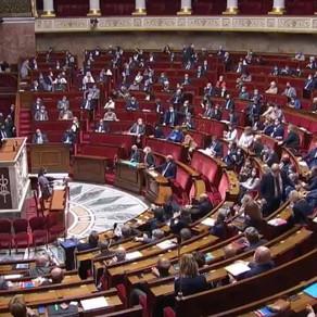 Adoption du projet de loi pour la confiance dans l'institution judiciaire