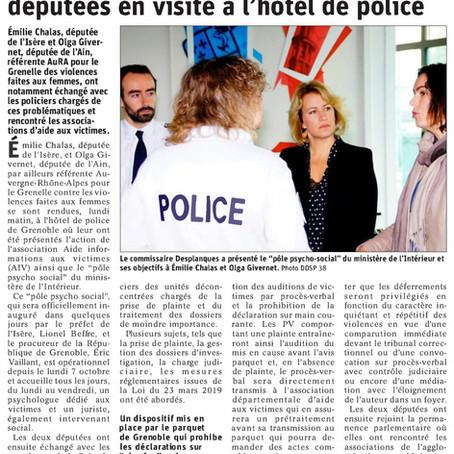 Le Dauphiné libéré : violences faites aux femmes, deux députées en visite à l'hôtel de police