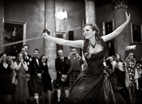 IF YOU'VE GOT IT, FLAUNT IT! WEDDING DRESSES FOR CURVY BRIDES