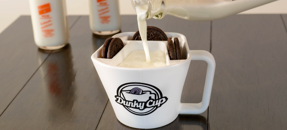 Milk Pour in Dunky Cup