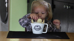 Fun with Dunky Cup - Cookies and Milk