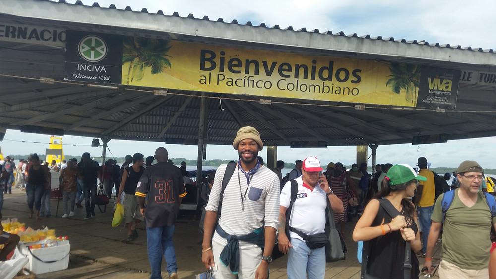 Professional travel blogger, Afro-latin