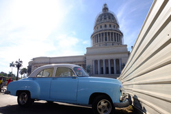 Classic car and El Capitolio