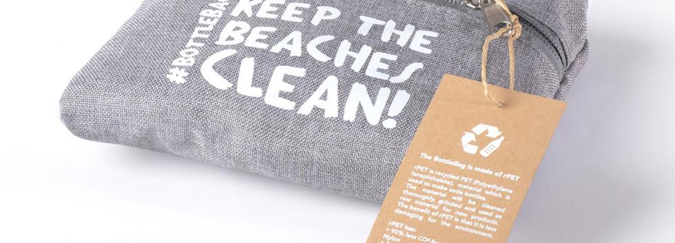 Beach-DT-folded-wit.jpg