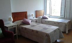 Habitación dos camas en la Residencia tercera edad Vitoria.