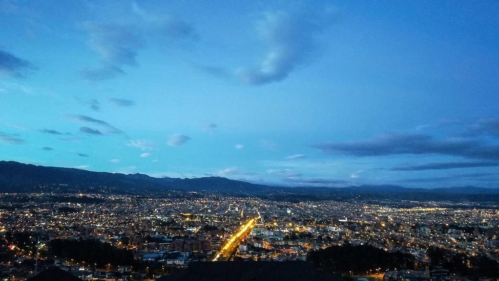 Vista de Cuenca desde el Mirador de Turi // Cuenca view from Turi viewpoint