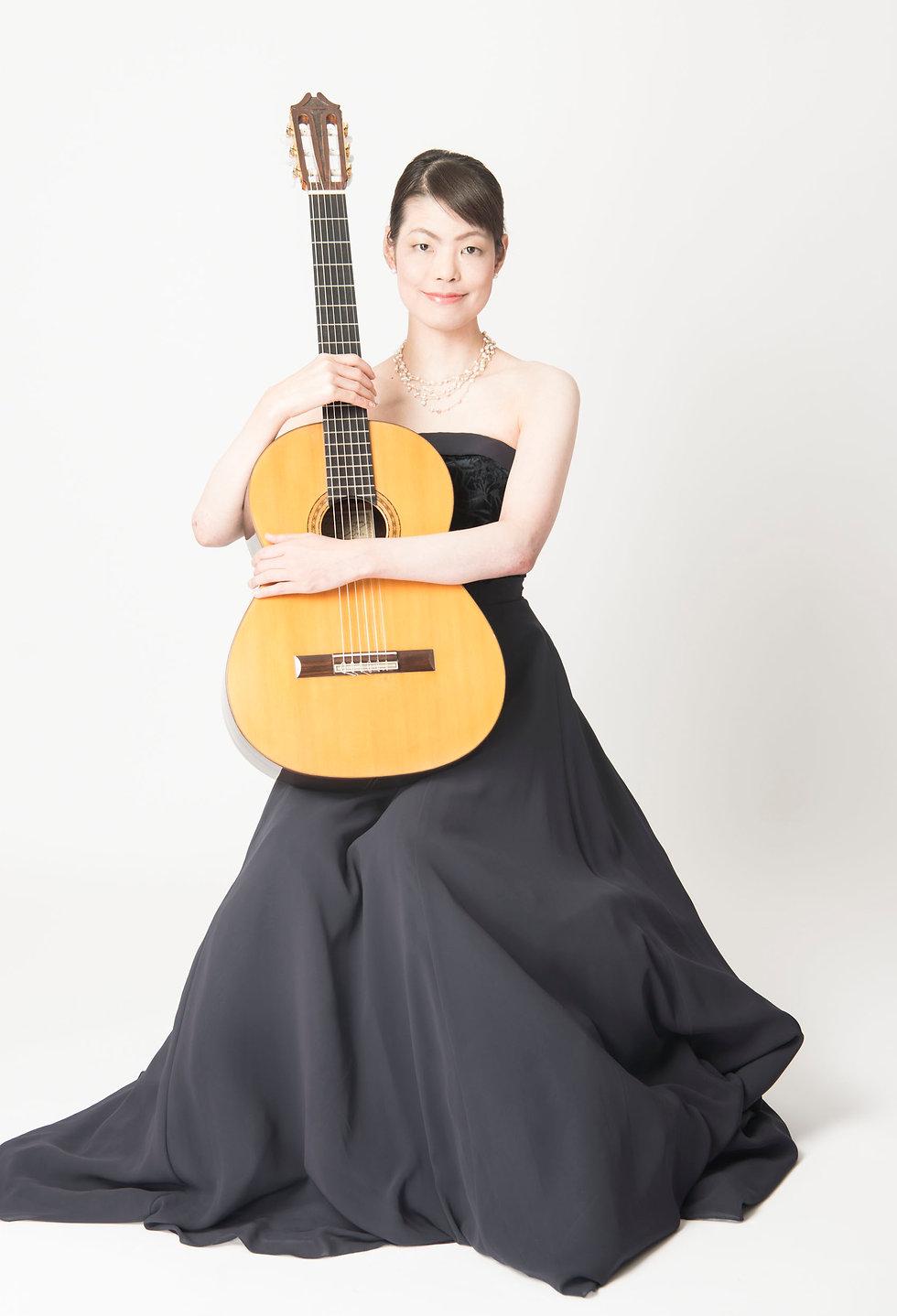 堤千花 クラシックギター ギター