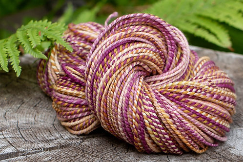 """Worsted Weight Fine Wool """"Peony"""""""