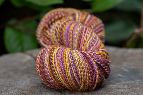 """HUGE Skein--Worsted Weight Kent Romney Lambswool """"Lovely Summer Day"""""""