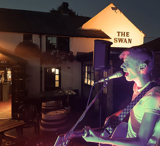Sam deed open mic night at the Swan Northall