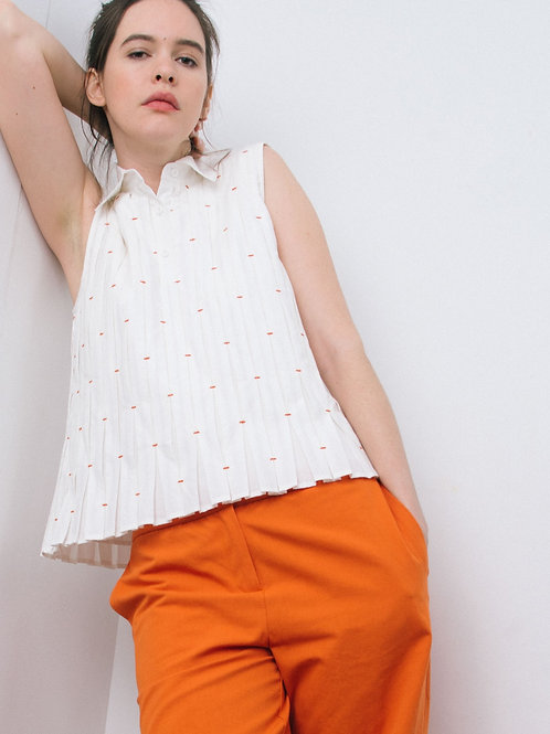 Tacked pleat top