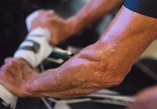 あなたのトレーナーにMP1を追加することで、従来の静止したライディングより多くの筋肉を動員させることができます。上半身の大きな筋肉に始まり、バランスを取り効果的なペダリングを生むために必要な小さい筋肉まで。MP1はインドアトレーニングでこの大小さまざまな筋肉を活用し、トレーニングできる唯一の方法です。
