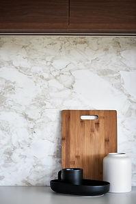 Marble splashback, minimalist styling