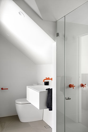 Guest bathroom, white bathroom, coloured taps