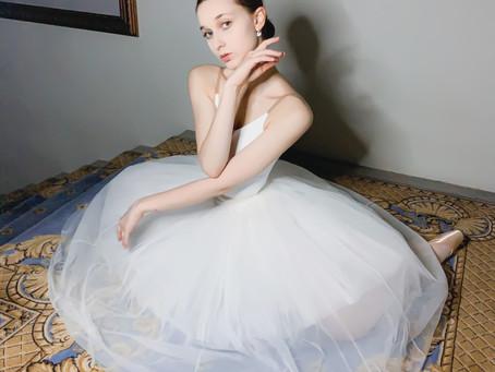 """Александра Гринчак: """"...петербургский  стиль отражается в каждом выпускнике."""""""
