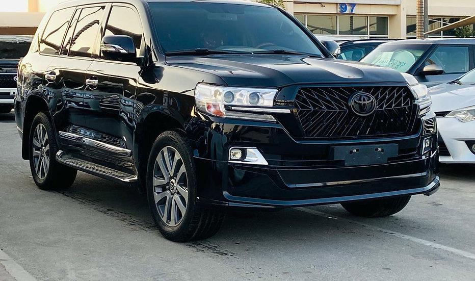 Toyota Landcruiser V8 Black édition Petrol engine 2014 model
