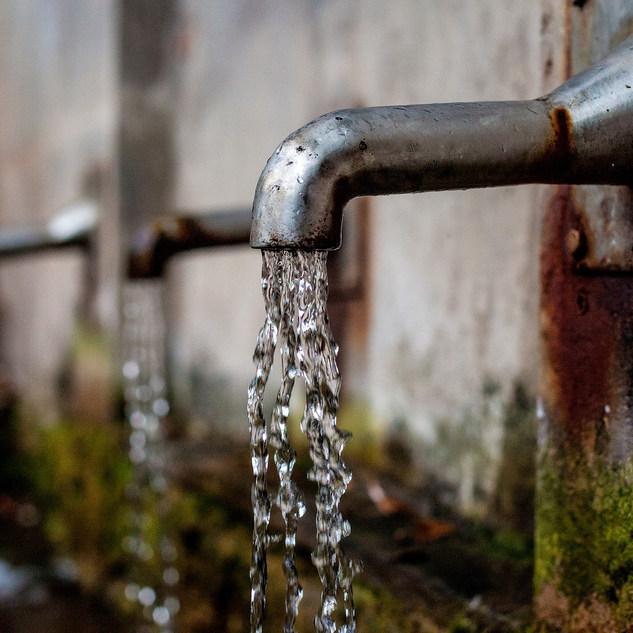 faucet-1684902_1920.jpg