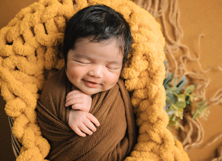 Choosing a Setup for Your Newborn Photo Session