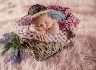 How do I get and choose my photos after newborn photo session