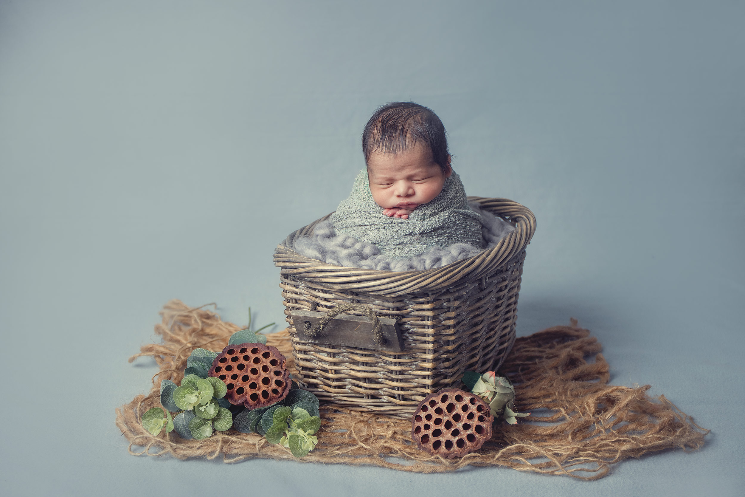 studio newborn photography