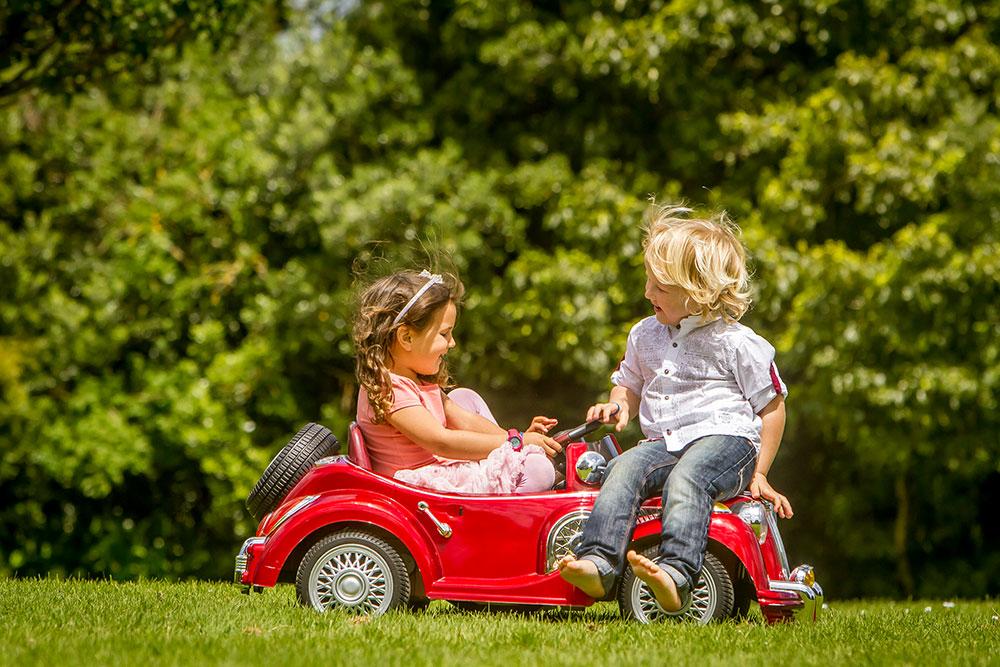 outdoor portrait of 2 kids