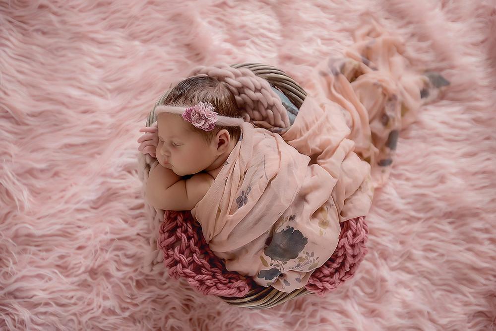 newborn photography, newborn girl, studio photo