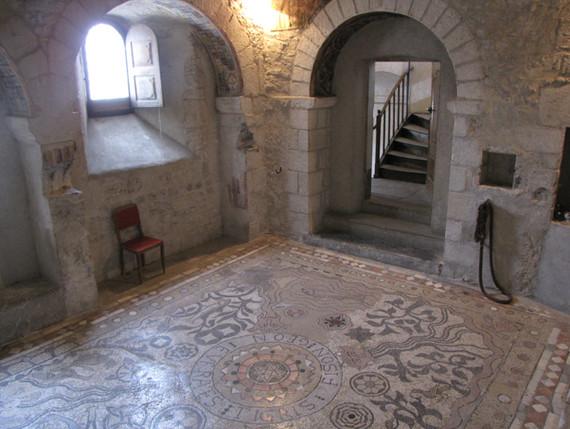 """La salle de la mosaïque, dite """"la chapelle St Nicolas"""""""