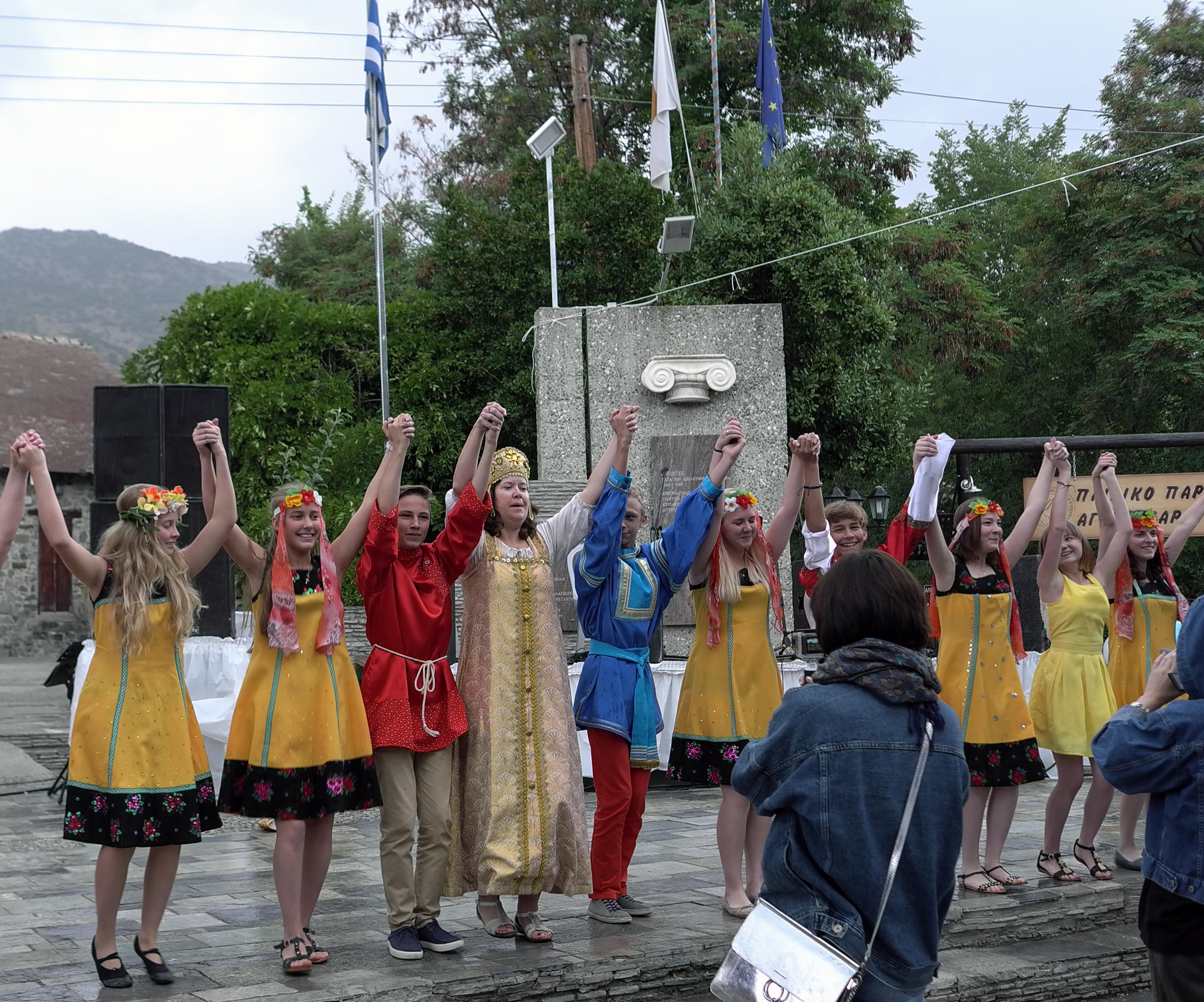 Выступление делегации ДХШ на Фестивале яблок