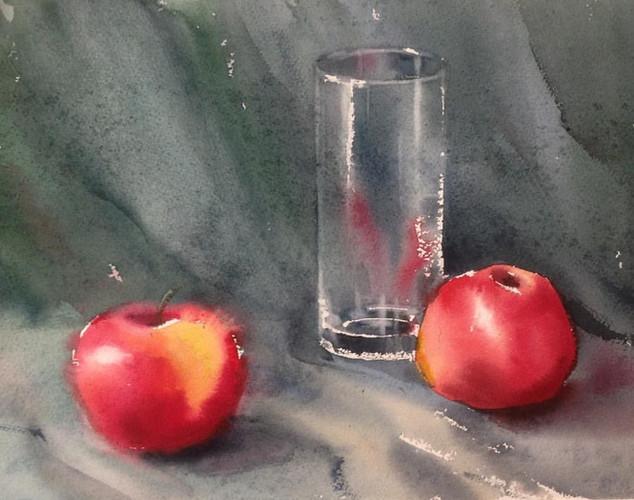Стеклянный стакан с яблоками.jpg