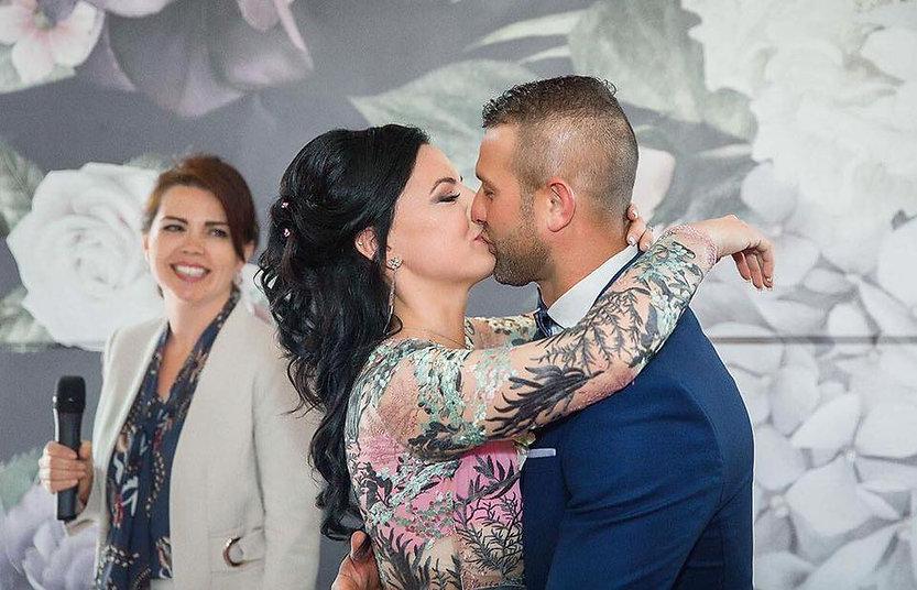 Olesya Tsvok licensed wedding officiant