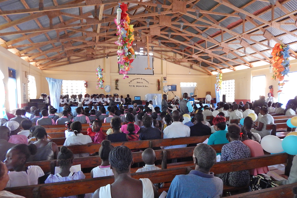 2016 - Worship service on Sunday in Mare Rouge, Haiti