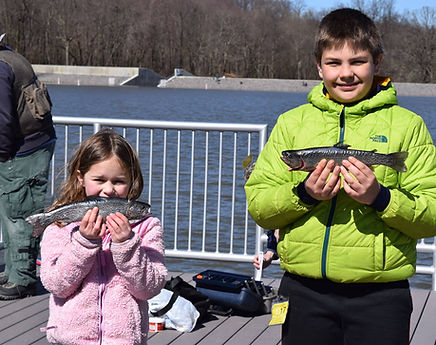 2017-04-09_kids and fish.jpg