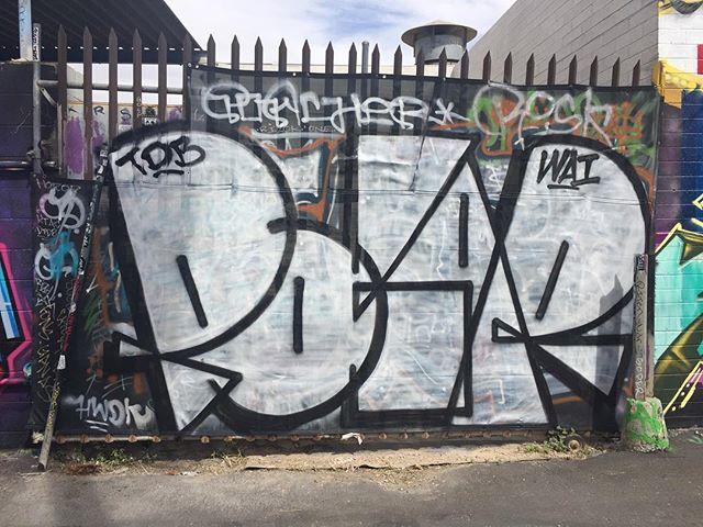 #vivalasvandals#lasvegas#vivalasvegas#graffporn#graffiti#vegas#polar#wai