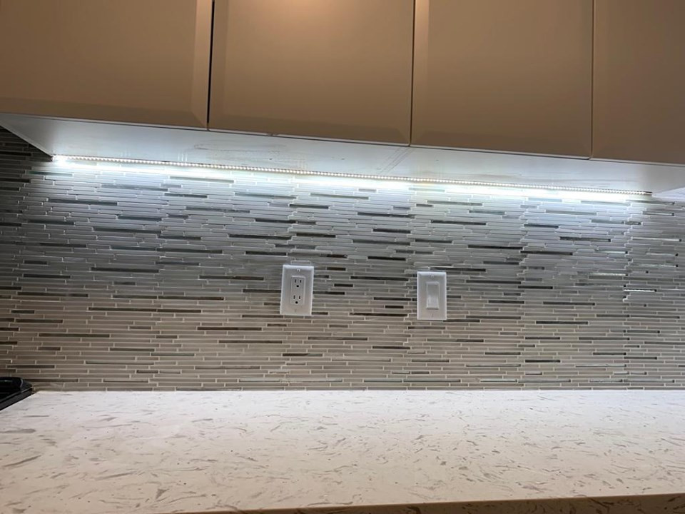 backsplash with lighting.jpg