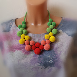 K18048-3 NECKLACE WITH BUBLES
