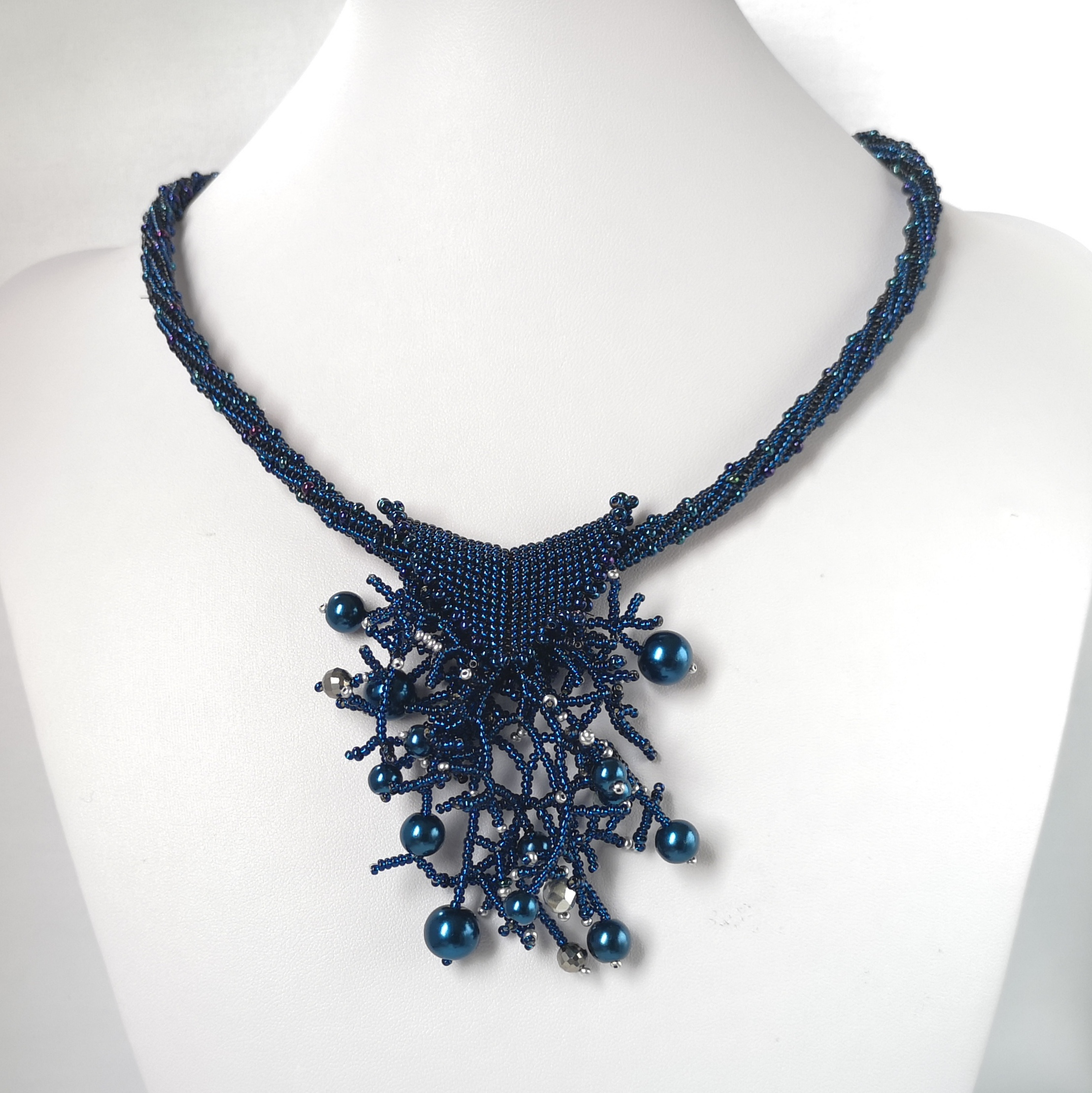seed beads necklace (1)