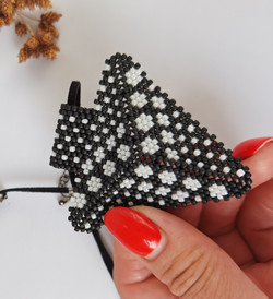 21076-5 3D TRIANGLE SEED BEADS PENDANT