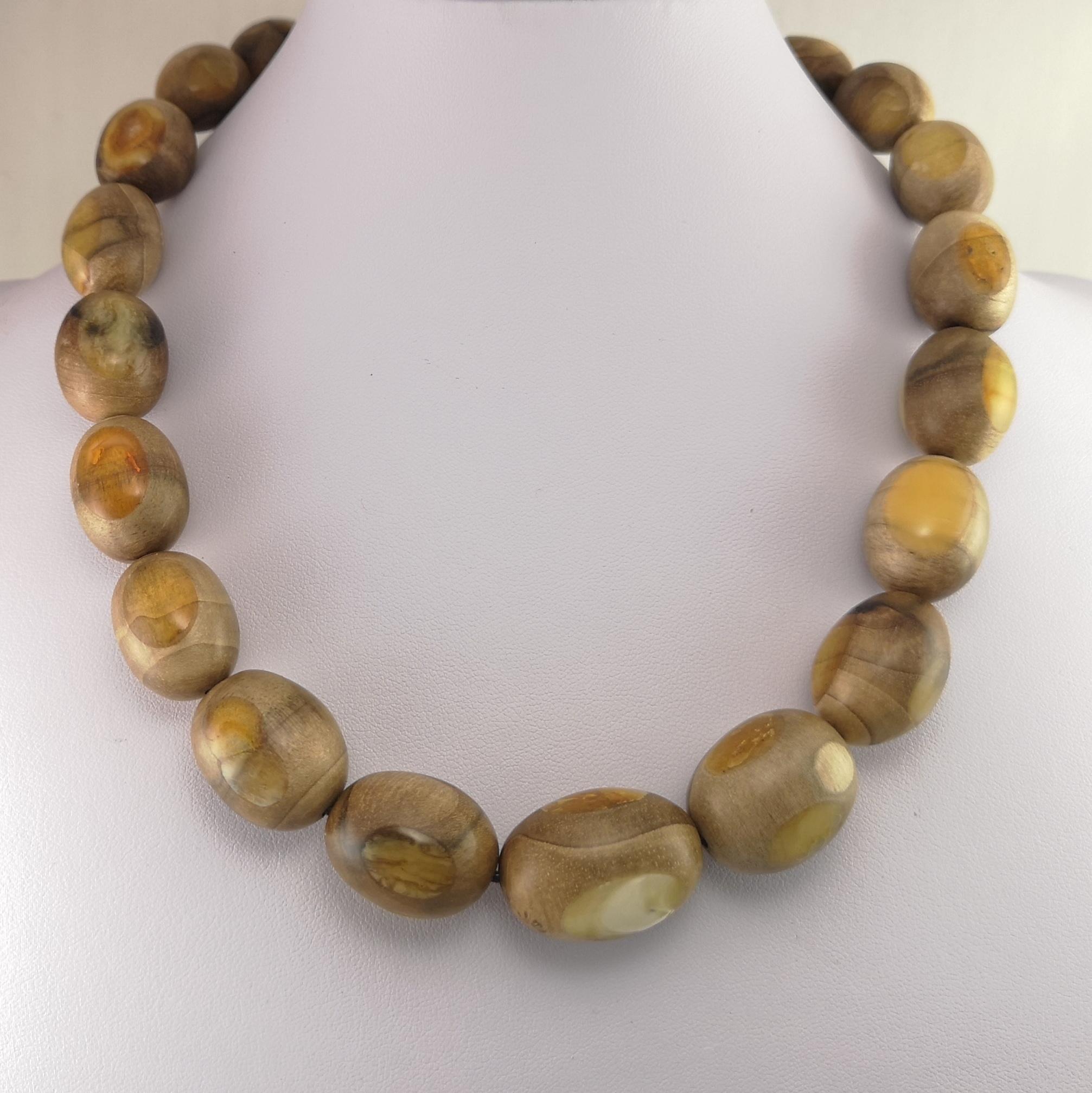 amber wooden pendant (12)