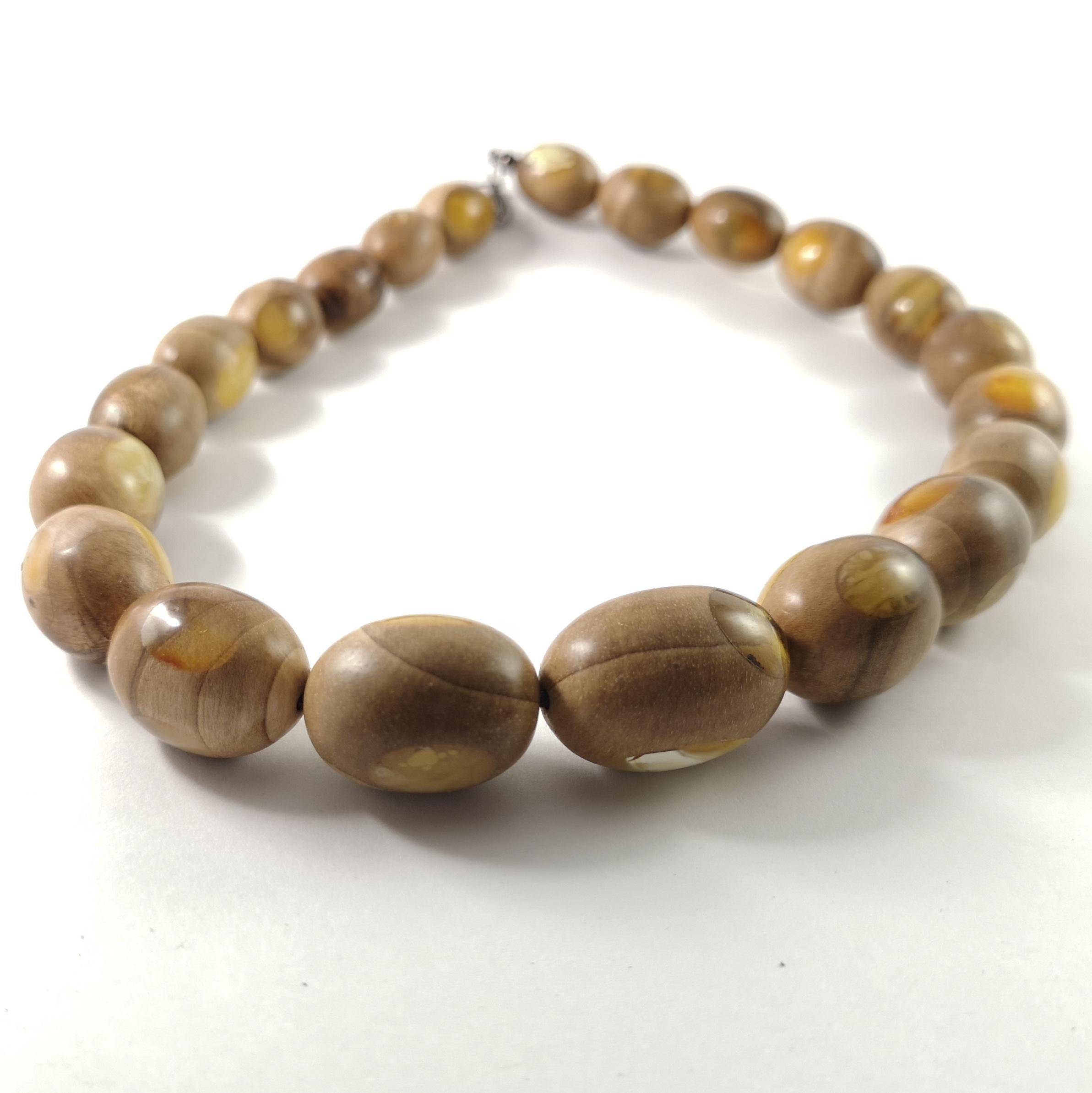 amber wooden pendant (89)