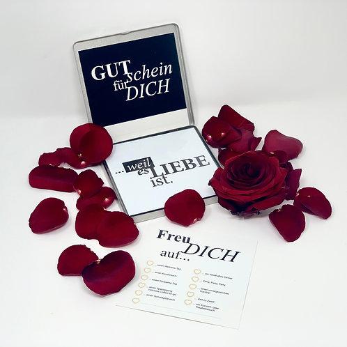 """loveBOX 11 / """"Weil es Liebe ist!"""""""