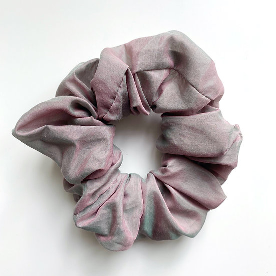 METALLIC ROSE SCRUNCHIE