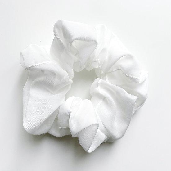 SOFT WHITE SCRUNCHIE