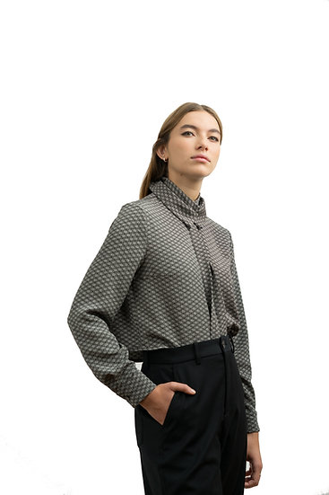 SHORT BLOUSE WITH DOUBLE COLLAR