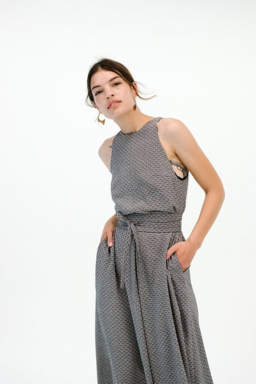DRESS WITH LARGE PLEAT