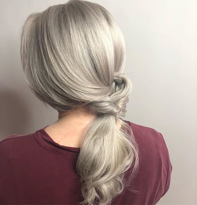 ✨icy blonde to match the snow on the gro