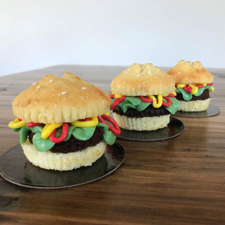 Hamburger Cupcakes, 2019.JPG