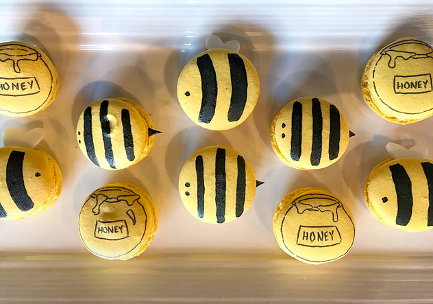 Bee Macarons, 2019.jpg