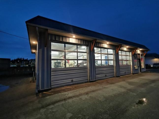 Commercial shop accent Renovation.jpg