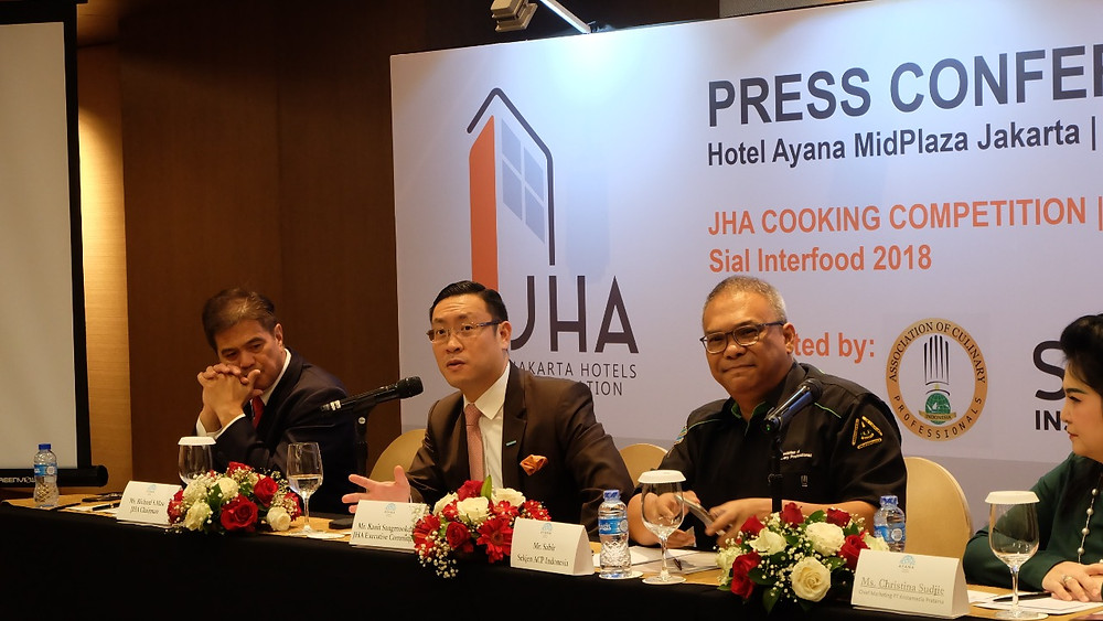 Mr. Kanit Sangmookda speaked on behalf of JHA to explain in detail regarding the competition