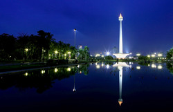 LM-003 Monas - and its mirror image at night